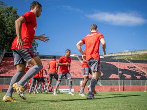 Vitória finaliza preparação para jogo contra o Londrina no Barradão