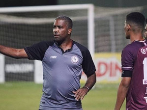 Jacuipense comunica desligamento do técnico Jonilson Veloso
