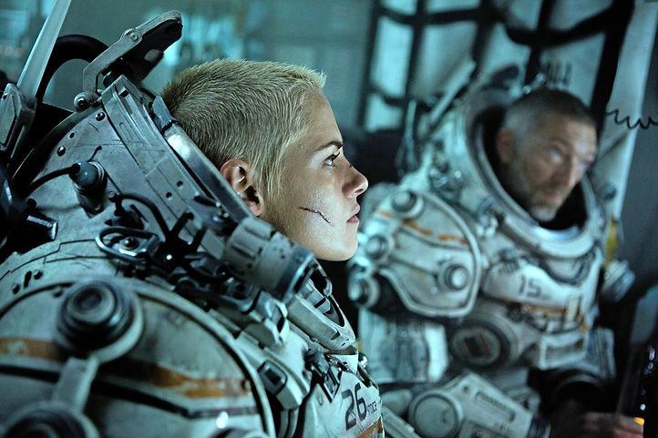 """Kristen Stewart and Vincent Cassel in 2020's """"Underwater."""""""