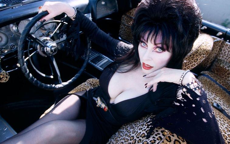 "Cassandra Peterson in 1988's ""Elvira, Mistress of the Dark."""