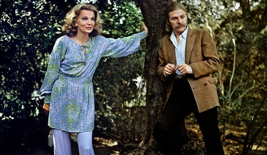 """Gena Rowlands and Seymour Cassel in 1972's """"Minnie and Moskowitz""""."""