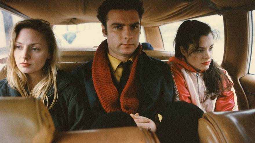 """Hope Davis, Liev Schreiber, and Parker Posey in 1996's """"The Daytrippers."""""""