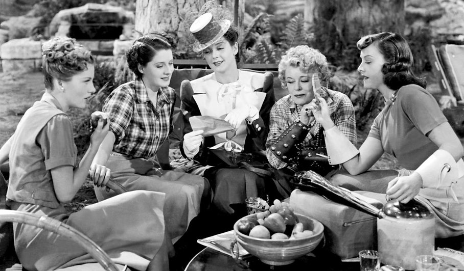 """Joan Fontaine, Norma Shearer, Rosalind Russell, Mary Boland, and Paulette Goddard in 1939's """"The Women."""""""