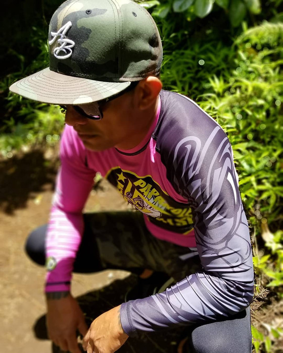 Hike in pink! 😎🤙🏽  #tpjjhnl       #tpjjhnlgear #newfreshlook #tpjjhnlapparel #newrashgua