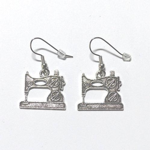 Boucles d'oreilles machine à coudre argentées