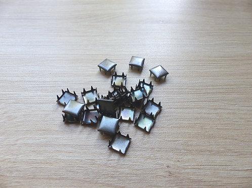Lot de 22 clous à griffes noirs