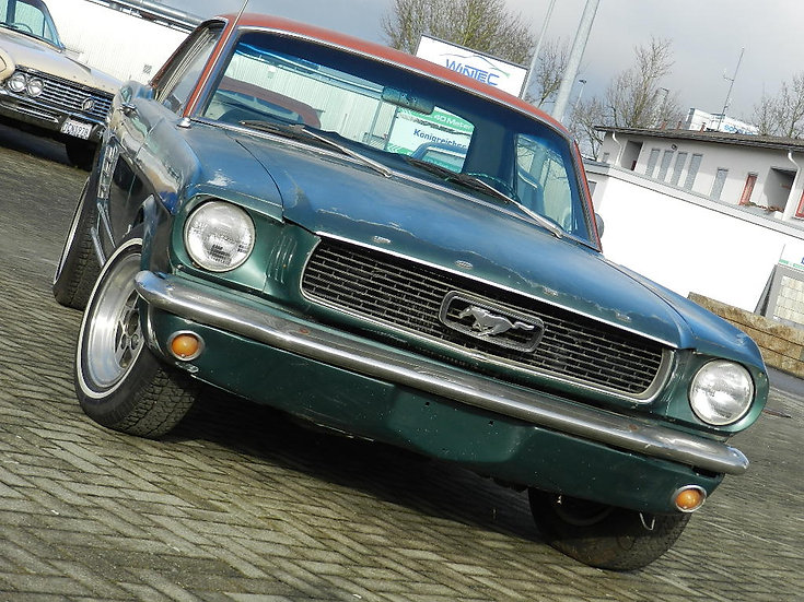 Ford Mustang V8 Coupé mit vielen Optionen 1965