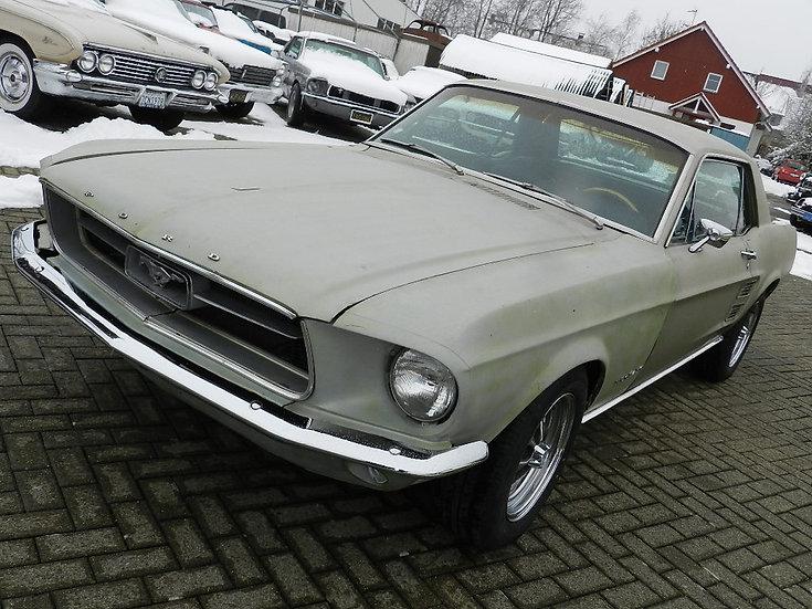Ford Mustang V8 - abgebrochene Restauration mit vielen Optionen 1967