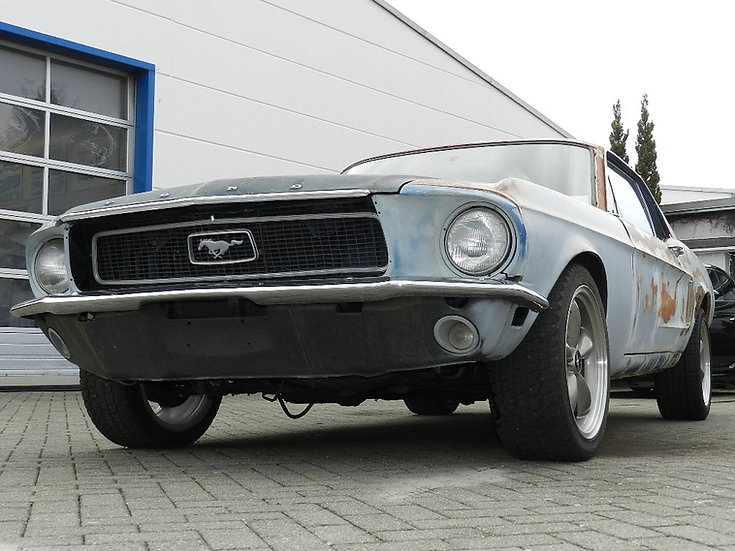 "Ford Mustang DeLuxe 302 CUI ""J-Code"" V8 1968"