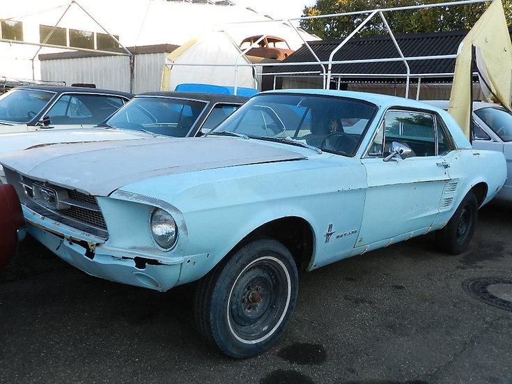 Ford Mustang Hardtop V8 zum restaurieren im Erstlack 1967