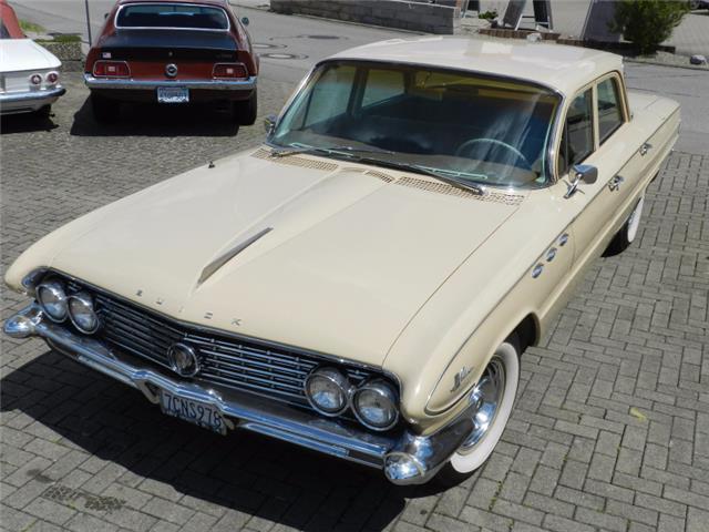 Buick LeSabre V8 Hardtop Sedan 1961