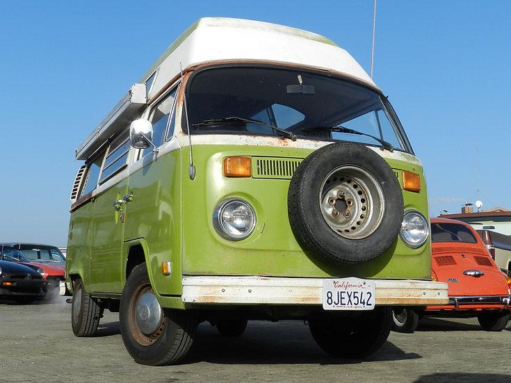 VW Bus T2b Camper mit Hochdach im Erstlack