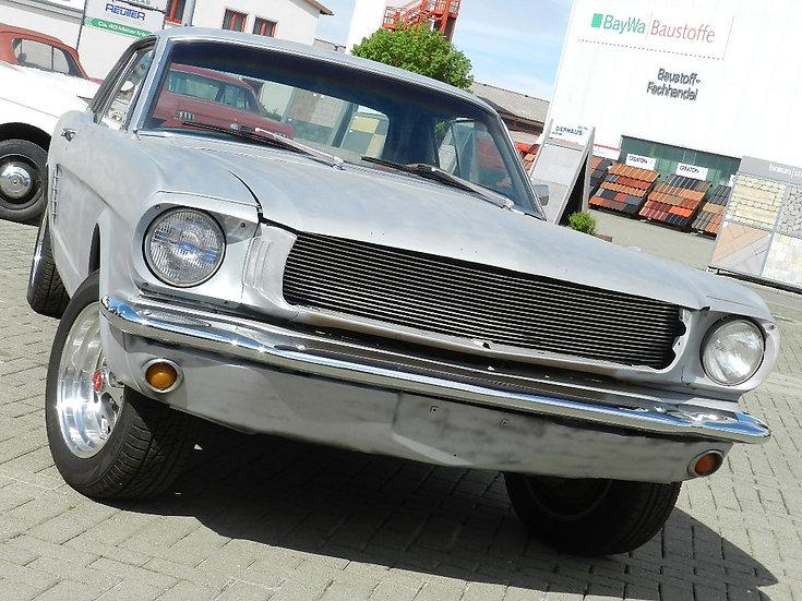 Ford Mustang Hardtop  V8 abgebrochene Restauration 1965