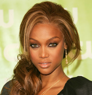 Chirurgie mammaire par Tyra Banks