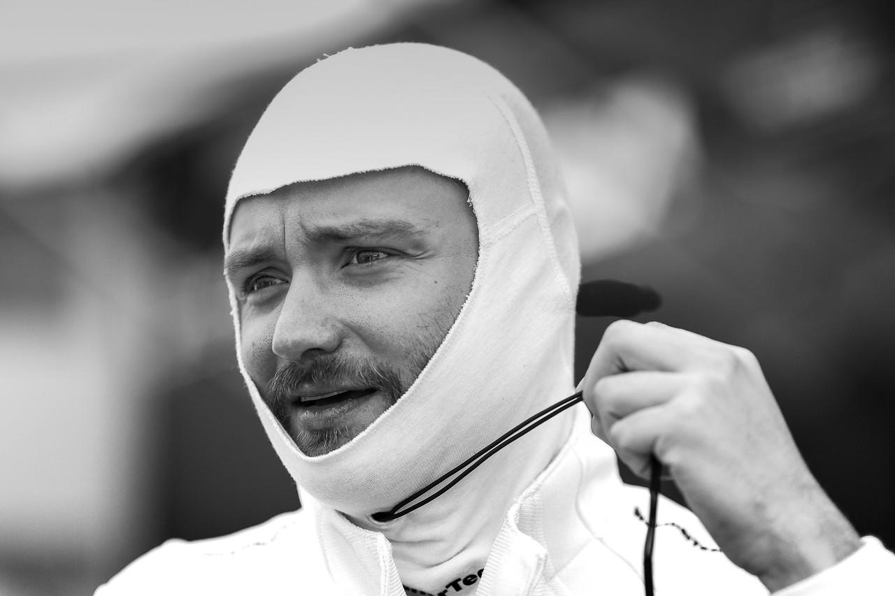 Cooper preparing to race.