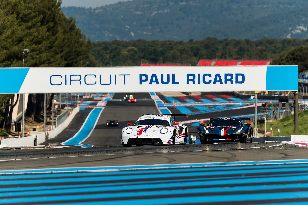 Porsche coming across the starting line.