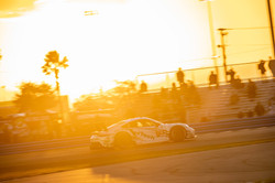 Porsche on sraight away_