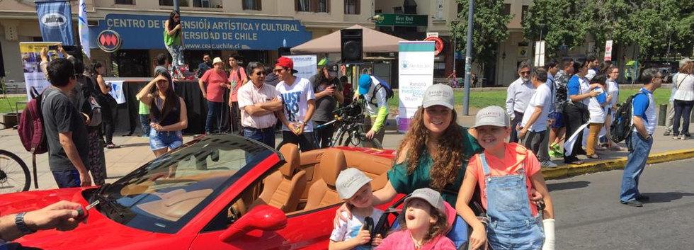 Día de participación y gestión en exposición de autos antiguos, junto a la organización Retromotor. Se coordina labor social de esta con la Fundación Down Arcoiris y la Municipalidad de Maipú.