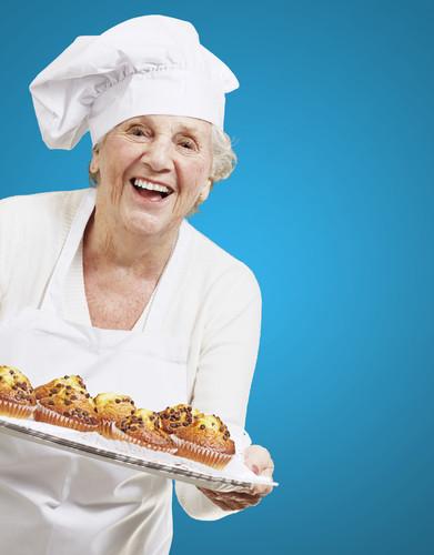 old-woman-baking-cakes.jpg