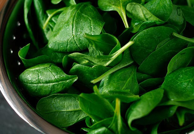 620-skin-cancer-wrinkle-health-prevention-foods-spinach.imgcache.rev136984652153