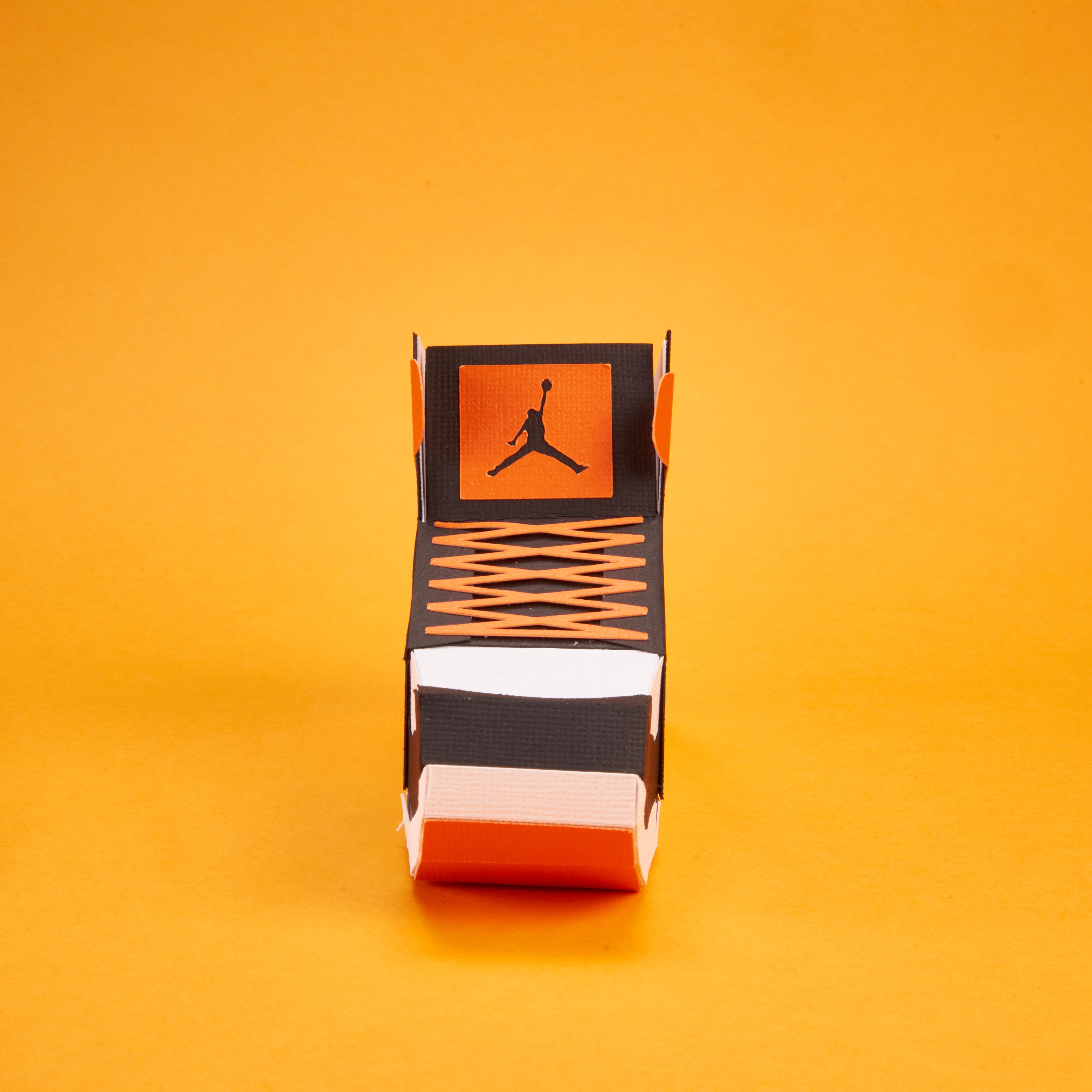 Paper Sneaker AJ1