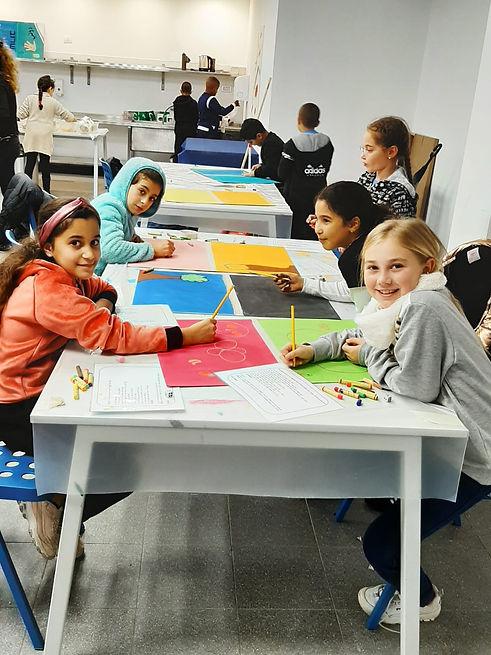 תלמידות מרמלה במוזיאון תל אביב לאומנות