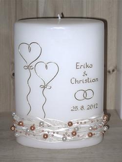 Hochzeitskerze mit Perlenkette