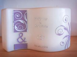 Hochzeitskerze Welle lila