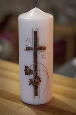 Trauerkerze mit Kreuz