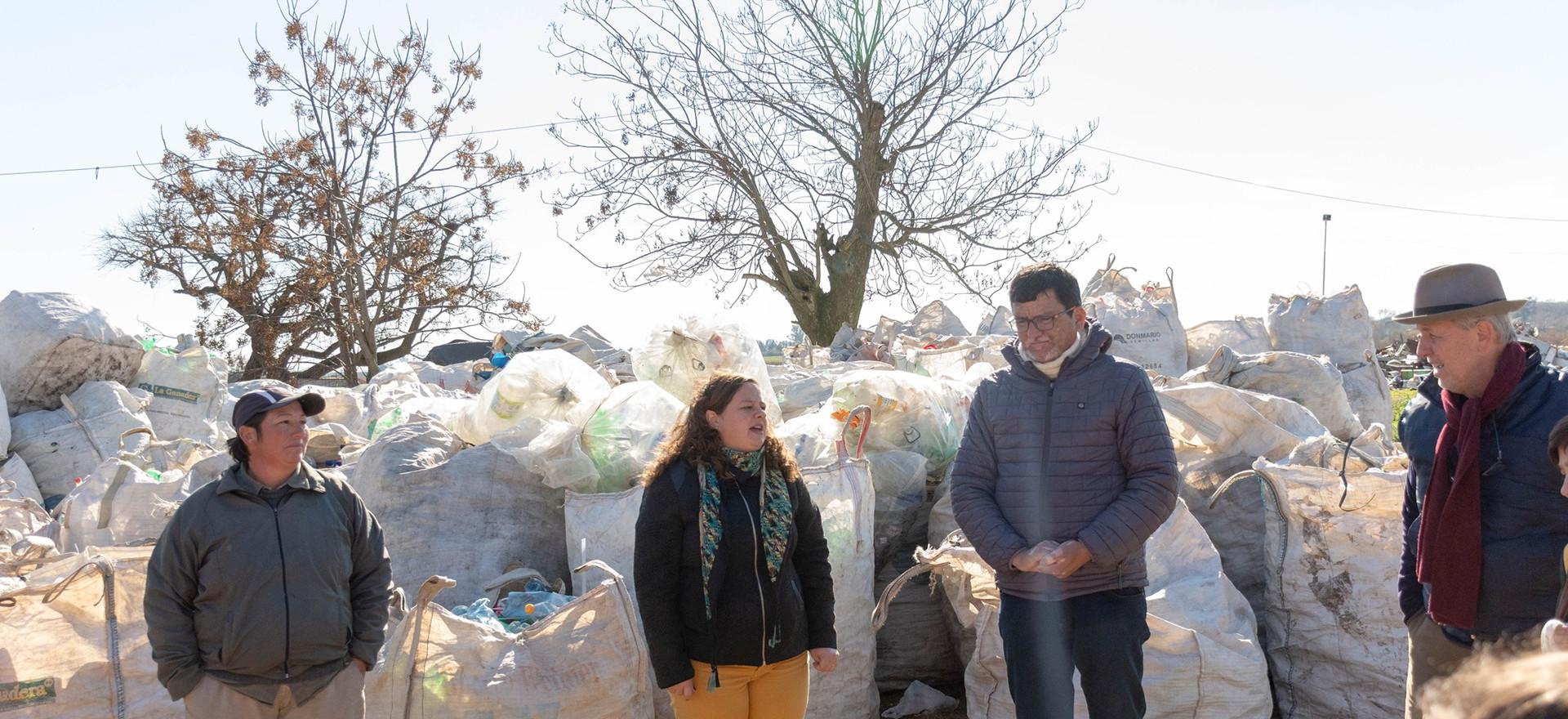 Alumnos de primaria conocen el trabajo de los recicladores