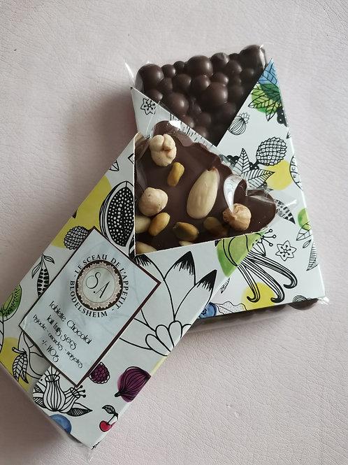 Tablette de chocolat lait fruits secs