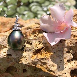 pendentif perle de tahiti poire.JPG