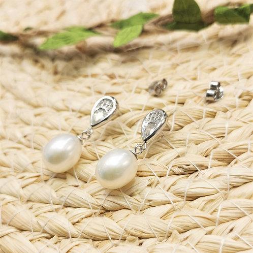 boucles d'oreilles perles blanches pendantes