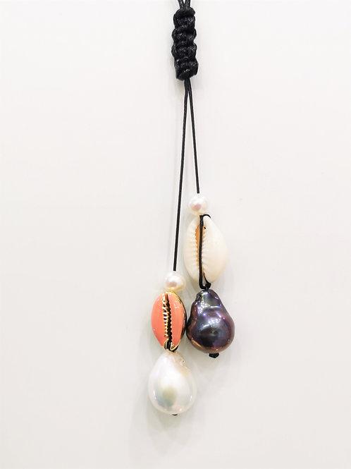Sautoir cordon coquillage cauri et perles de culture