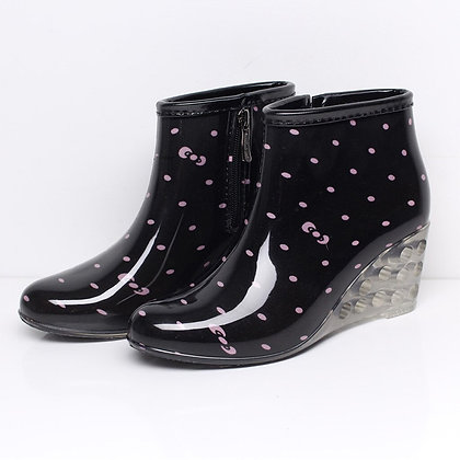 Non-Slip Waterproof Stylish Boots