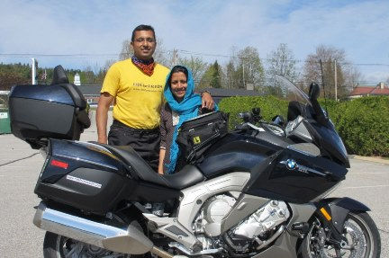 Coustomers Haroon adn Farazana stading with BMW R1600 RT