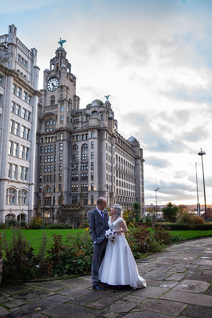 Liver Building, liverpool wedding photographer