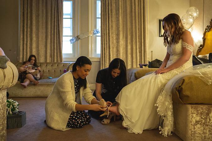 bridal prep, 30 james street wedding, liverpool wedding photographer
