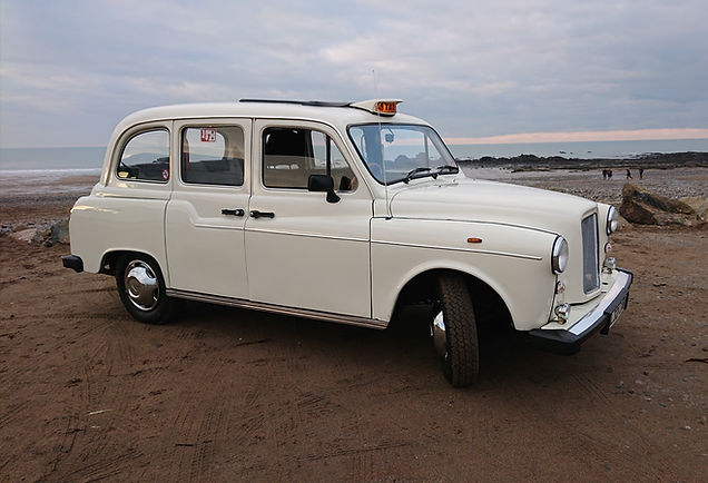 Taxi in Cornwall, Widemouth Bay.JPG
