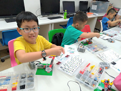 STEM Lego (Oct) 2.jpg