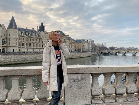 Linnea in Paris - Without the hot neighbor