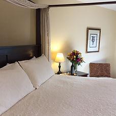 wimberleySquareInn.com Maeson Room