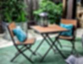 wimberleySquareInn.com Courtyard table