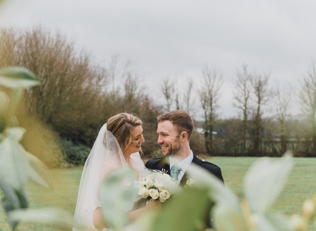 10 top tips to make the most of your wedding photos!