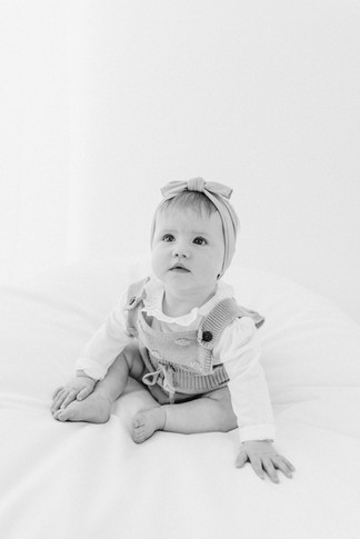 baby photography reading