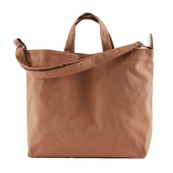 horizontal duck bag in adobe brown color from baggu