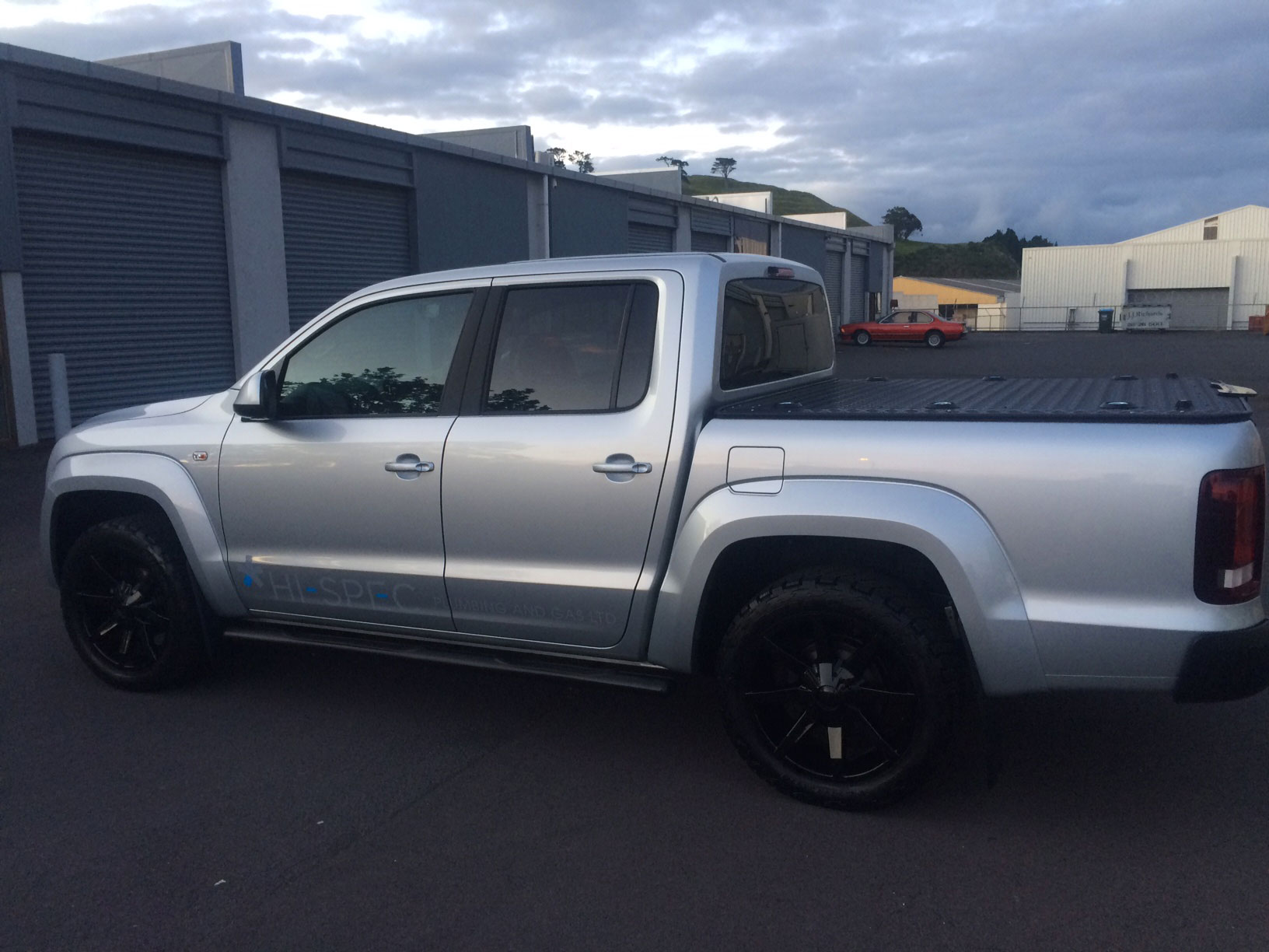 Volkswagen amarok with 2 inch loweri