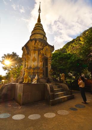 Mae Kampong Temple