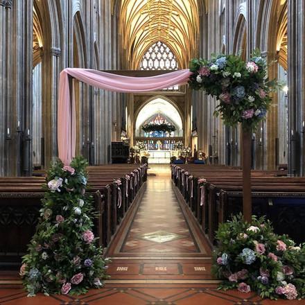 Woodan Archway with flower legs