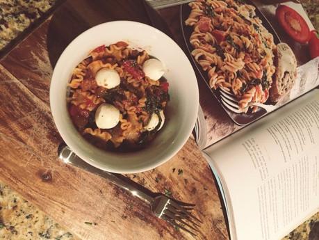 TOMATO BASIL PASTA | cooking